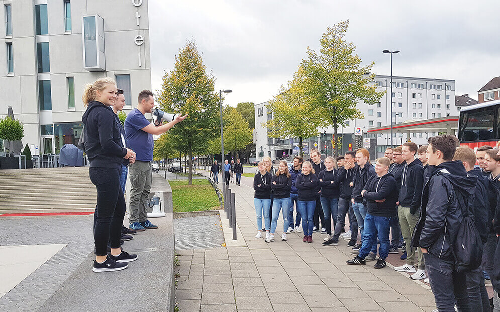 Apprentices discover Cologne